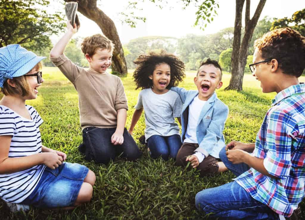 Baw się razem z nami – gry i zabawy przeciwko agresji
