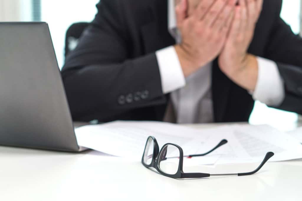 """Jak rozpoznać objawy i zapobiegać """"wypaleniu zawodowemu"""""""